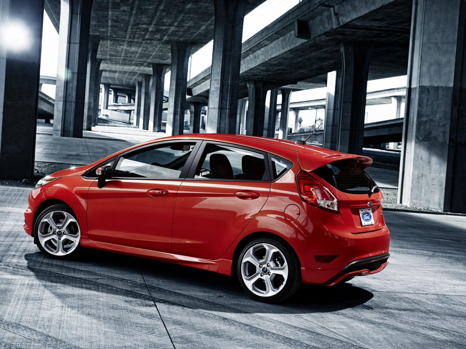 2015 Ford Fiesta red hatchback st