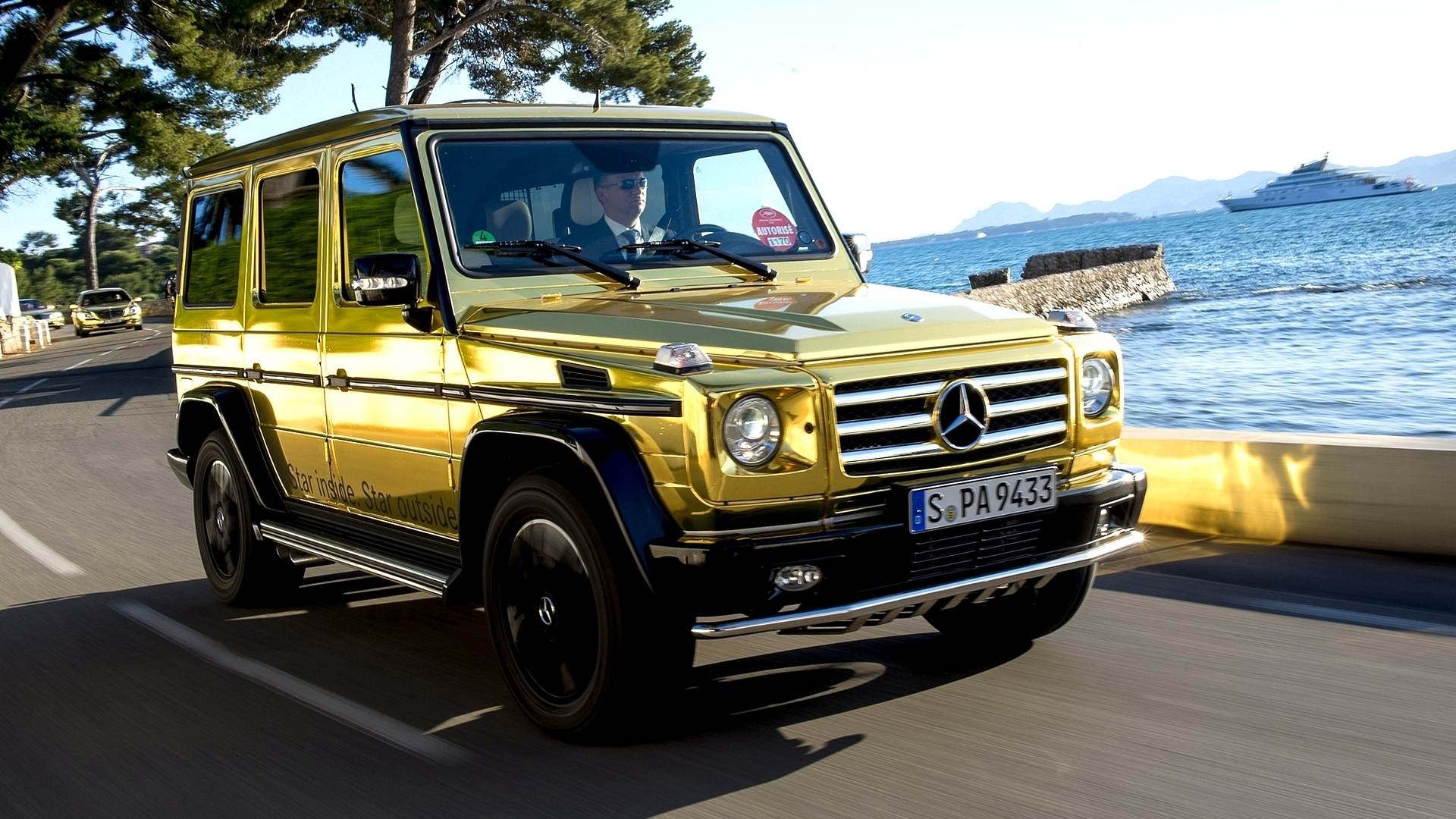 2015 mercedes benz g 500 review luxury things for Mercedes benz g wagon 2012