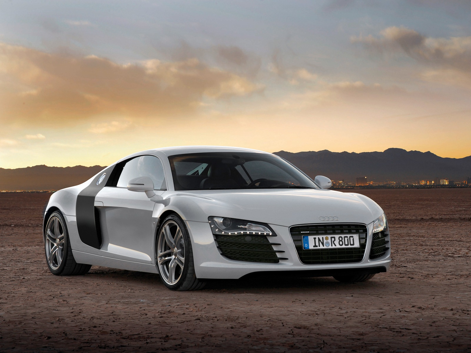2015 audi r8 review luxury things. Black Bedroom Furniture Sets. Home Design Ideas