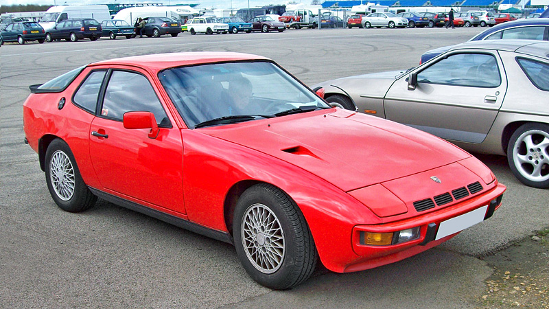 1979 Porsche 924 coupe red