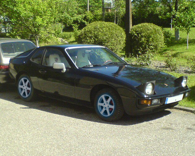 black Porsche 924 photos