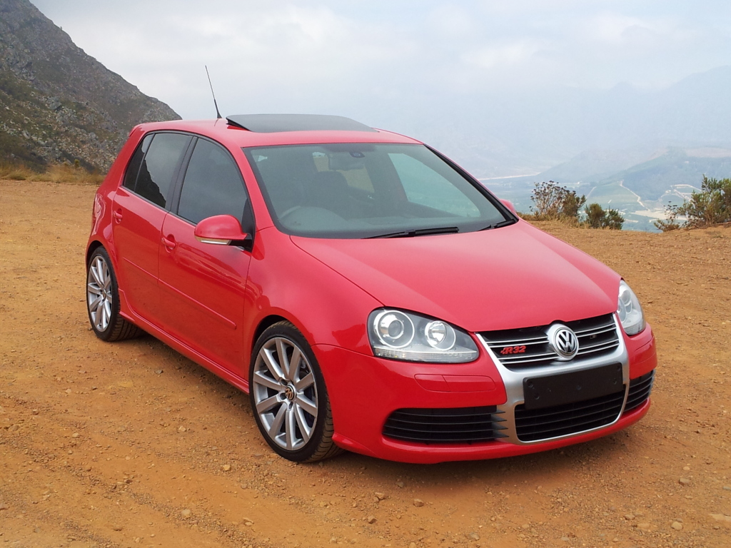 volkswagen golf v r32 luxury things. Black Bedroom Furniture Sets. Home Design Ideas