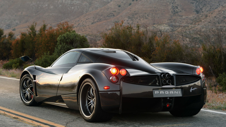 Pagani Huayra review 2016